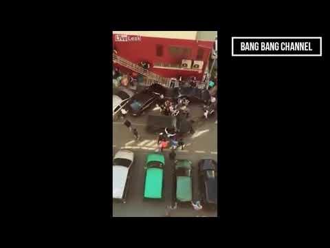 1 thằng xe điên lùa hơn trăm người chạy tán loạn ở Trung Quốc