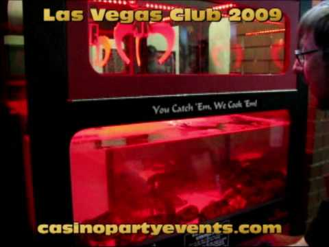Casino Lobster Crane Machine Game Winner – $2 Bet at Las Vegas Club Freemont Street
