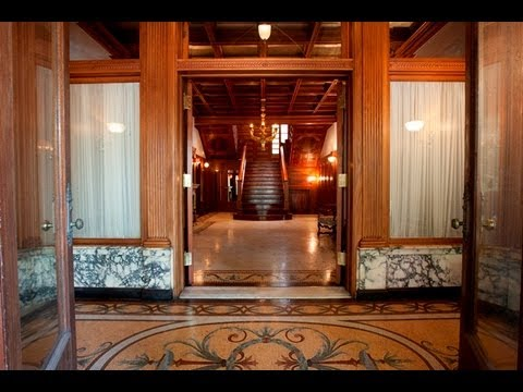 A video tour of Chicago's fabulous Wrigley Mansion