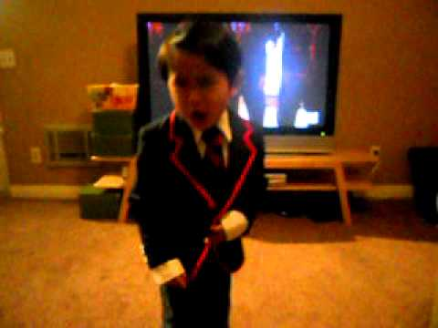 Meet the pre-schooler stealing the spotlight in the 'Glee' 3D movie: 'Mini Warbler' Kellen Sarmiento.