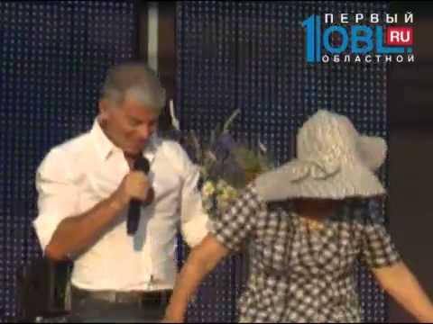 Олег Газманов 1,5 часа бесплатно выступал на Дне воинской славы в Чесме