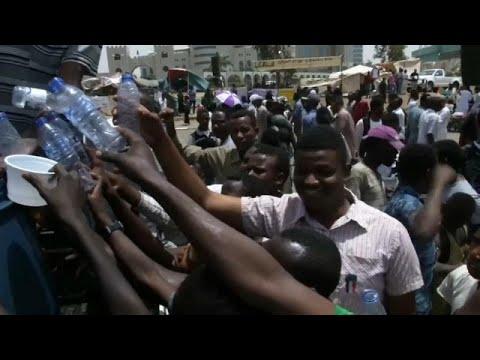Σουδάν: Η μεγάλη ανάγκη των διαδηλωτών για νερό