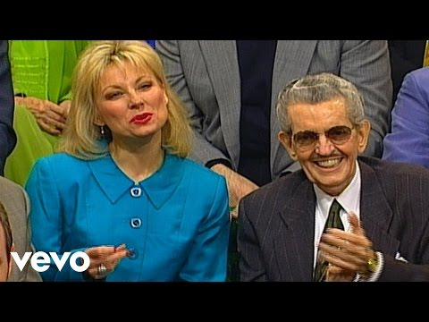 Bill & Gloria Gaither – Looking for a City (Live)