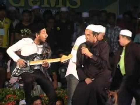 Ustaz Azhar Idrus dan Zizan Raja Lawak – Countdown 2012 (Part 9)