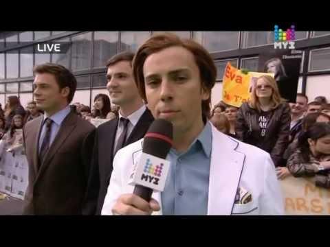 Рома Жёлудь на красной дорожке «Премии Муз-ТВ 2012»