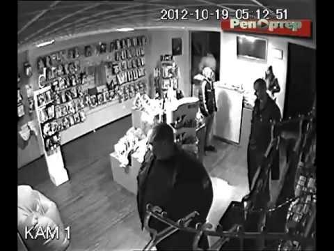 В Самаре разыскивают грабителей интим-магазина (видео)