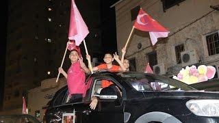 يافا تتزين بالأعلام التركية خلال مسيرة احتفالية بفشل الانقلاب في تركيا