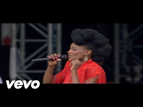 Noisettes - Never Forget You (Live at V Festival, 2009)