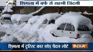Two killed as snowfall in Shimla renders tourists shelterless with no food and water