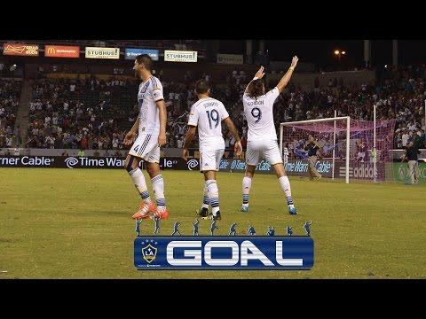 Video: Alan GORDON scores a SCREAMER from distance | GOAL