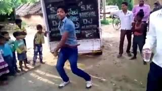 Video Baraf ke pani ragrat bani by bablu dancer download in MP3, 3GP, MP4, WEBM, AVI, FLV January 2017