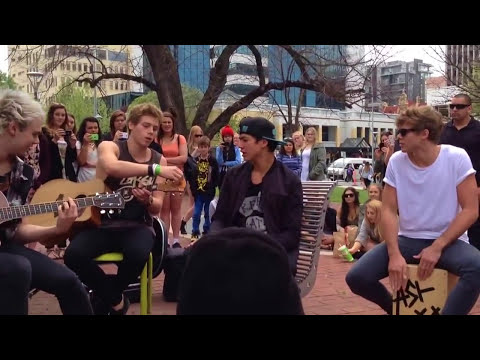 Heartbreak Girl - 5SOS (Adelaide Pop Up Acoustic Show)