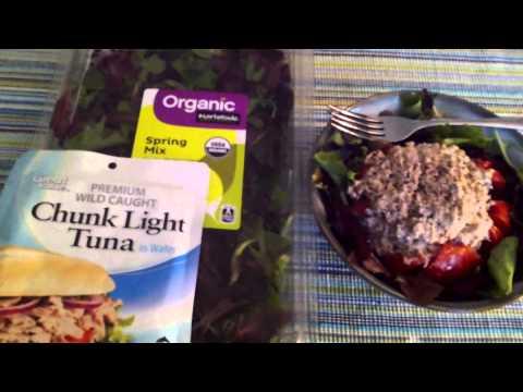HEALTHY TUNA STUFFED TOMATO!