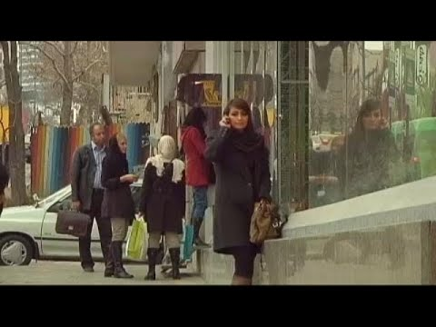 Ιράν: Συνελήφθησαν 30 γυναίκες επειδή έβγαλαν την μαντίλα τους