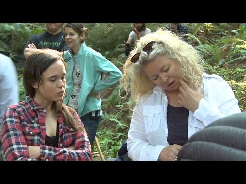 Into the Forest Into the Forest (Featurette 'The Woman of Into the Forest')