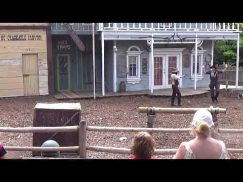 The Wild West Gunshow at Frontier City 2016