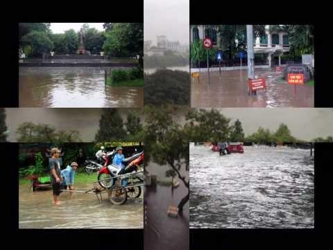 Lụt từ ngã tư đường vào nhà 2013