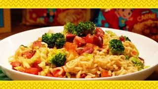 Macarrão com proteína e verduras