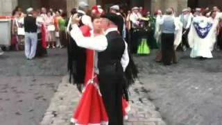 Bailes y danzas regionales de España