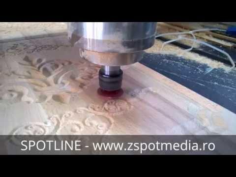 Usa din stejar pentru mobilier prelucrata cu CNC router