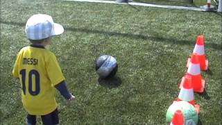 Video petit messi bébé de 2 ans (ilyes prodige au football ) MP3, 3GP, MP4, WEBM, AVI, FLV Agustus 2017
