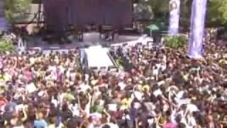Whitney Houston 'I Look to You' LIVE - Good Morning America 02/09/09