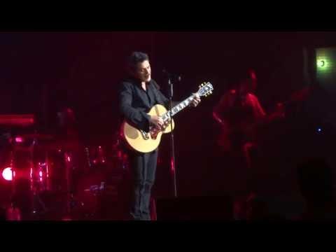 Alejandro Sanz - Mi Marciana (Live) NYC Radio City Music Hall 5.4.13