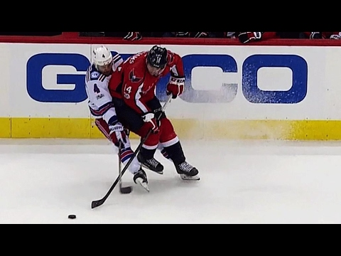 Video: Williams levels Clendening with big butt check