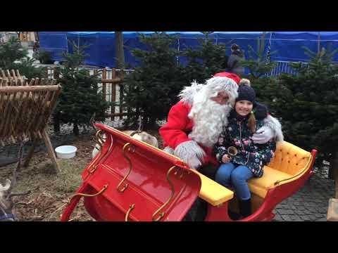 Wideo1: Święty Mikołaj i renifery na leszczyńskim Rynku