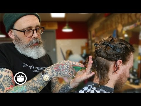 Hairdresser - Master Barber Transforms a Traveler from New Zealand's Style
