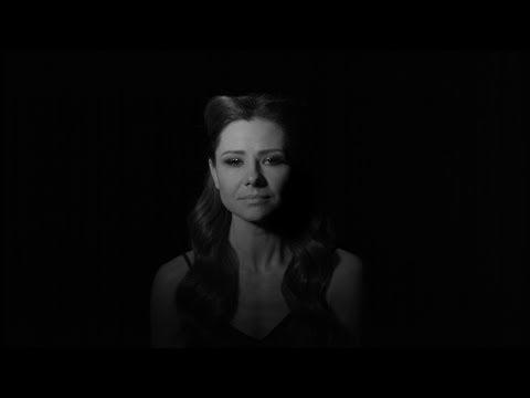Ania Karwan Czarny Świt Official Music Video