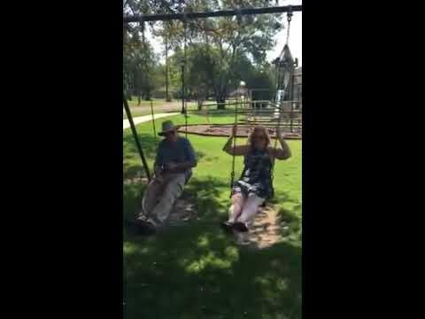 Husband wife swinging (видео)