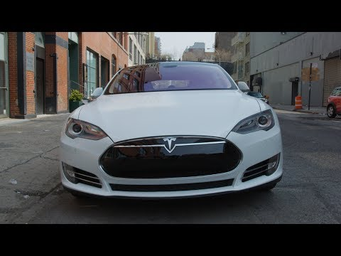 tesla - Some fun with a Tesla Model S P85+ and all its glorious tech! Special thanks to Nathan and Coulter from Tesla Motors. Video Gear I use: http://amzn.com/lm/R3...
