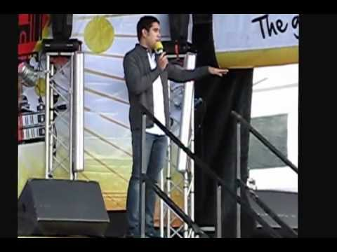 Gerald Anderson at the Barrio Fiesta in London 2012 (Original Footage)