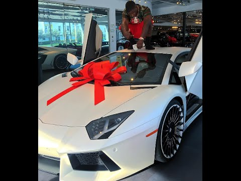 Blac Youngsta Buys A $500,000 Lamborghini CASH! Check Out His Reaction To The Purchase