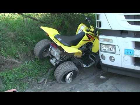 Medebach: Motorrad rammt Quad, 25-Jähriger verletzt