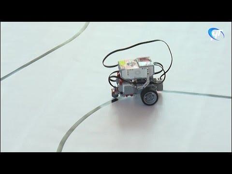 В школе № 18 Великого Новгорода прошел открытый урок по робоконструированию