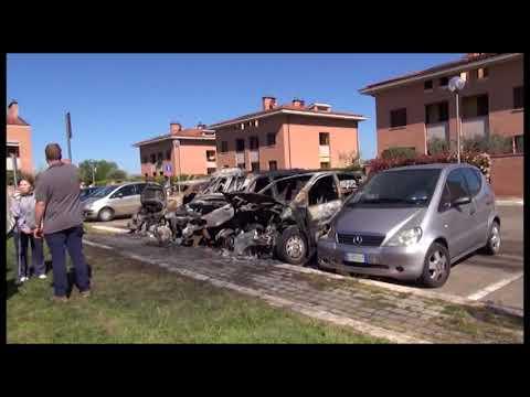 Arezzo, preso il piromane delle auto in via Perugia