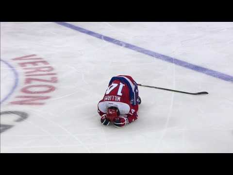 Video: Gotta See It: Clutterbuck bulldozes Williams with open ice hit