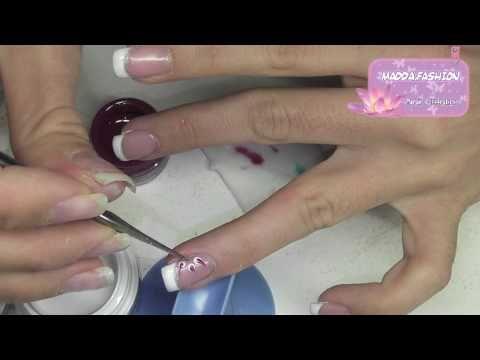 nail art - french inversa con fiore strisciato