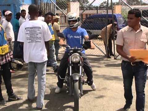 AMET entrega motocicletas