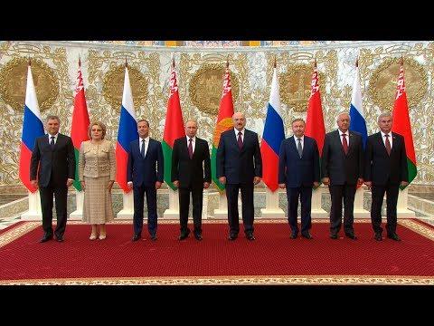 Встреча Лукашенко и Путина проходит во Дворце Независимости