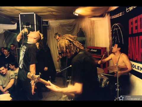 Homomilitia - Praca zabija (Crust Punk Poland)