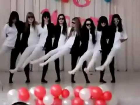 Harisnya tánc