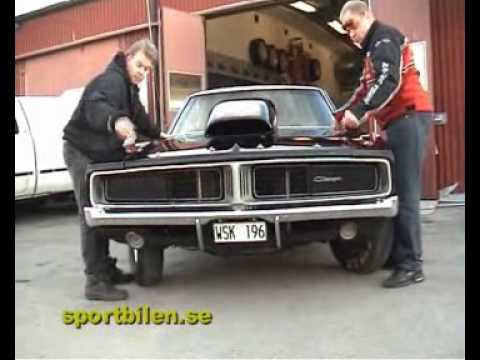 Charger - MORE MOVIES! http://www.sportbilen.se/ or http://www.youtube.com/sportbilen/ This is a Sportbilen.se movie from 2005. Just wonderful, and dont miss the ending!