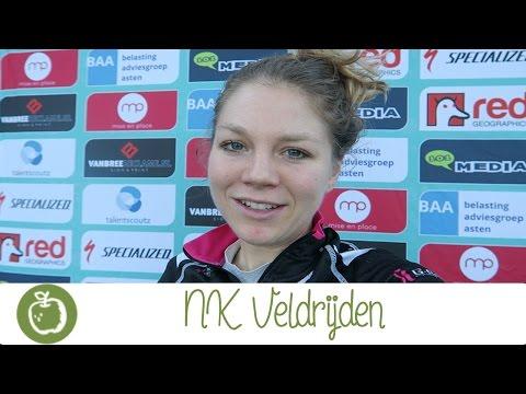 Sanne Van Paassen vlogt tijdens NK Veldrijden