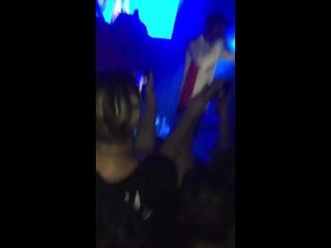"""Travis Scott gives fan the mic to perform """"Wonderful"""" Live in Orlando, FL"""
