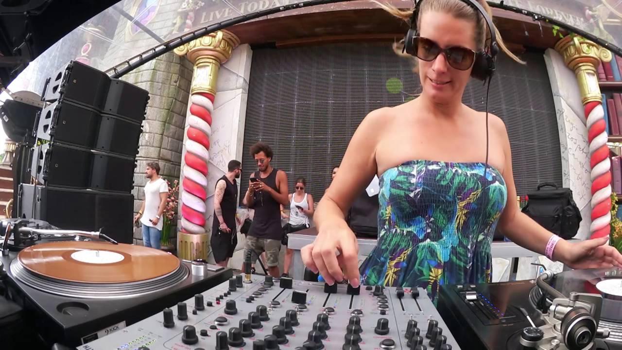 Sonja Moonear - Live @ Tomorrowland Belgium 2016
