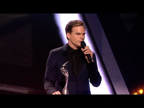 Video David Bowie wins British Male Solo Artist | The BRITs 2017 download in MP3, 3GP, MP4, WEBM, AVI, FLV February 2017