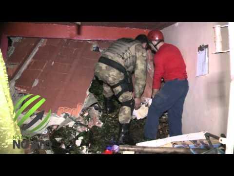 Irmãos são resgatados após ficarem soterrados em deslizamento de terra
